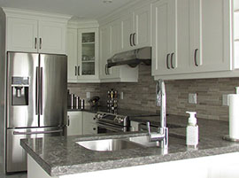 Transitional Shaker Style Kitchen Mississauga
