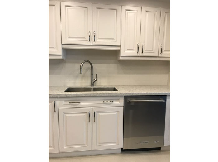 Solid Wood Custom Kitchen Cabinets Painted in White