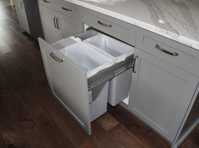 Cabinet Pull out Trash Can