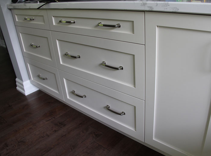 Shaker Style Cabinets with Drawers