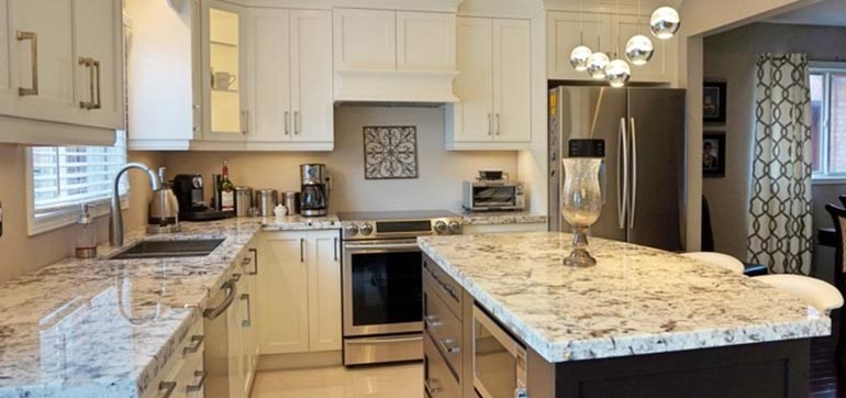 Transitional Canadian Maple Kitchen with Granite Countertop