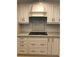 Custom Fan Hood & Decorative Backsplash
