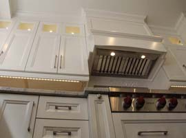 Kitchen Cabinets w/ Solid Dovetail Drawer Boxes
