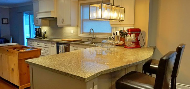Solid Maple Custom Cabinets with Quartz Countertop Kitchen