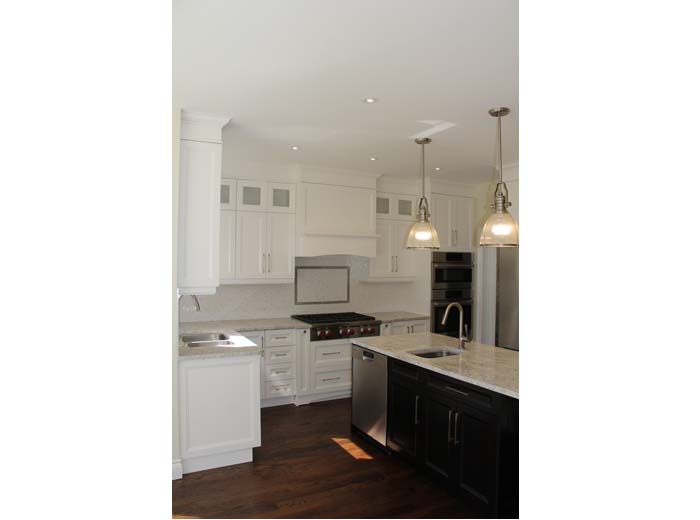 Solid wood custom kitchen cabinets